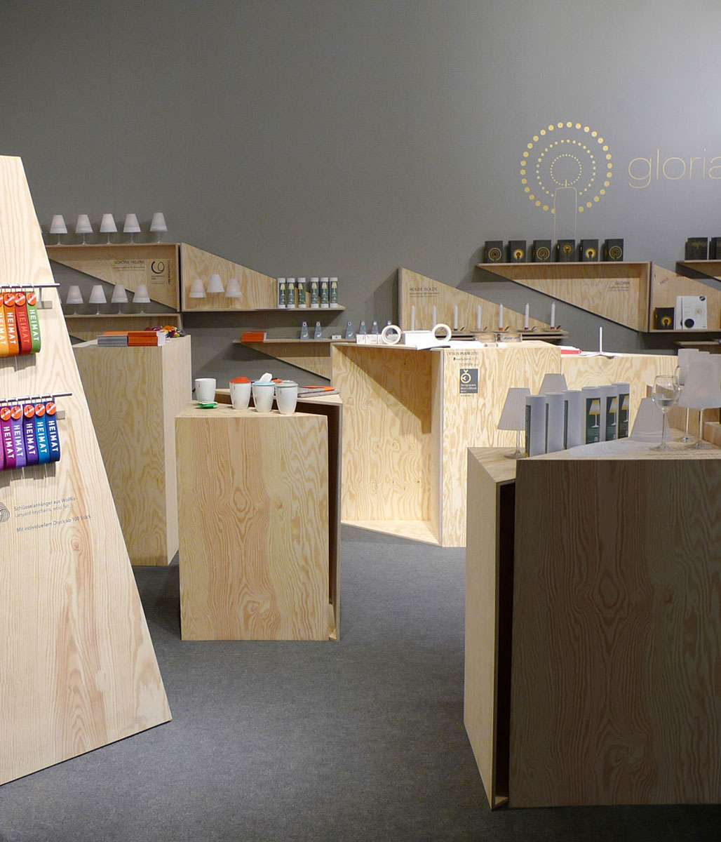 Laura, Wolfram, Design, Messestand, dekoop, Möbel